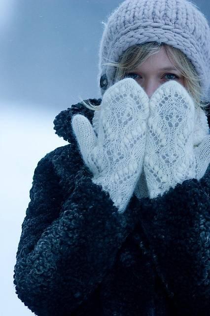 варежки, рукавички, зима, мороз, вязанные варежки, вязанные спицами, варежки с декором